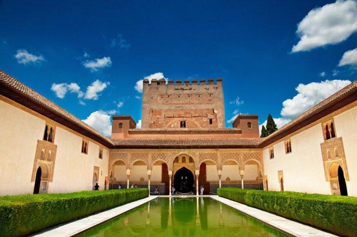 Alhambra: Tour privado con guía oficial sin colas