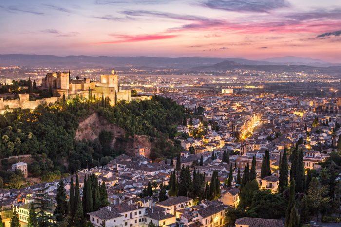 Dobla de Oro: La Alhambra y El Albaicín, tour privado con guía oficial