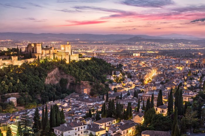 Gold Doubloon: Private Tour the Alhambra and the Albaicin Muslim Houses